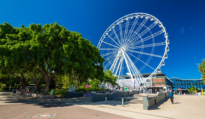Experience the daily life of local people at the South Bank Riverside Park